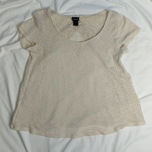 Torrid 0X Lacey blouse check out the back!